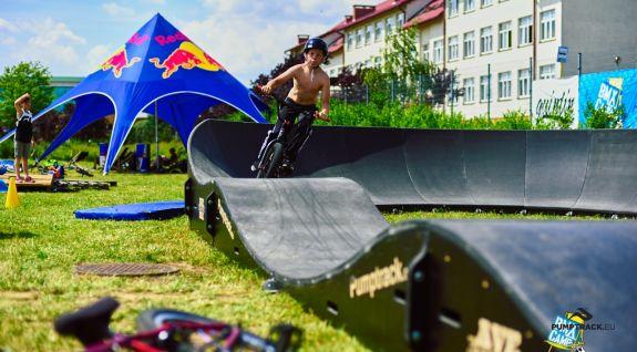 pumptrack tilpasset skateboarding