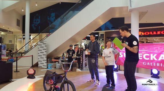 Een niet-stationair fietspad is een attractie van het evenement - Jelenia Góra (PL)