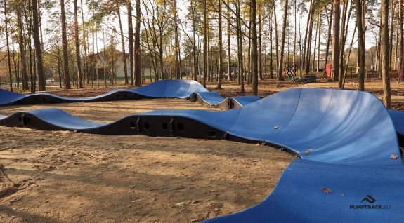 Pumptrack bicycle track made of modules