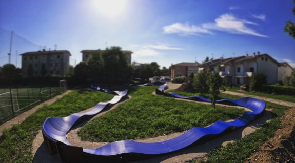 Pumptrack adapted for longboarding