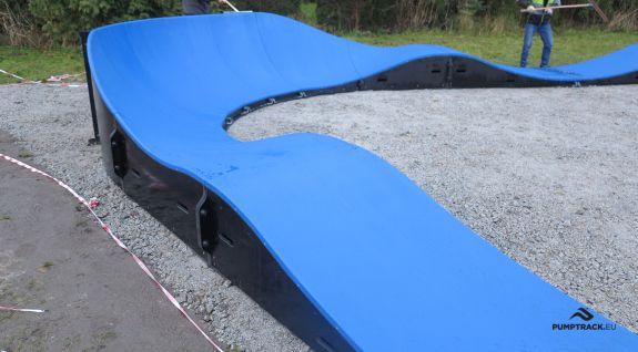 En cykel legeplads eller komposit pumptrack