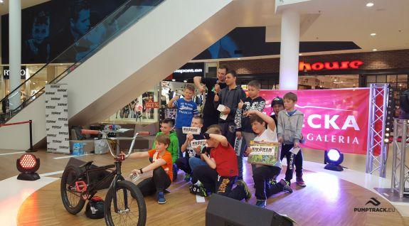 BMX-shows in de winkelgalerij - Jelenia Góra (PL)