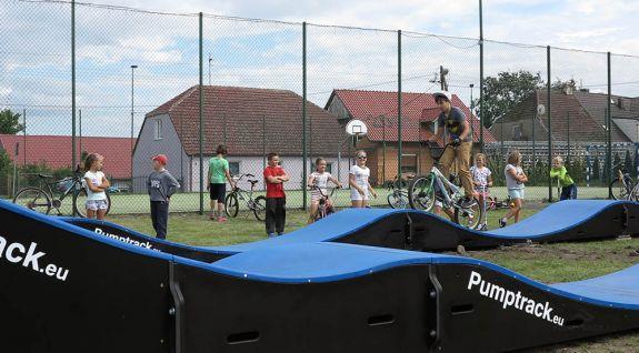 Pista ciclabile Pumptrack composta da moduli - Boleszkowice (PL)