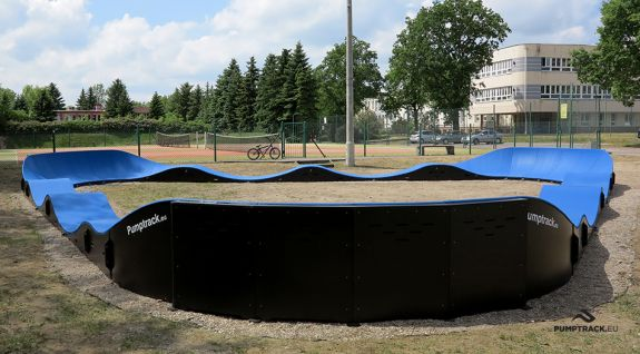 Parco giochi per biciclette o pumptrack